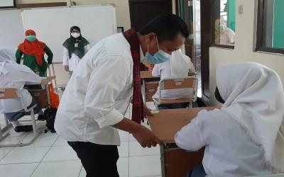 Monitoring Kegiatan PTM Terbatas oleh Kabid SMK Dinas Pendidikan Provinsi DKI Jakarta